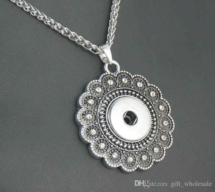Silver Flower Snap Necklace with Rhinestones