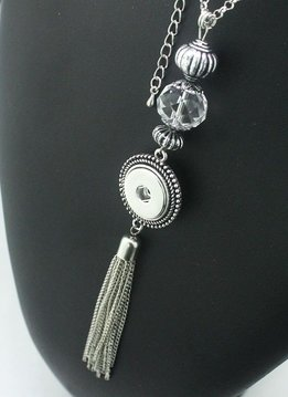 Snap Tassel Necklace