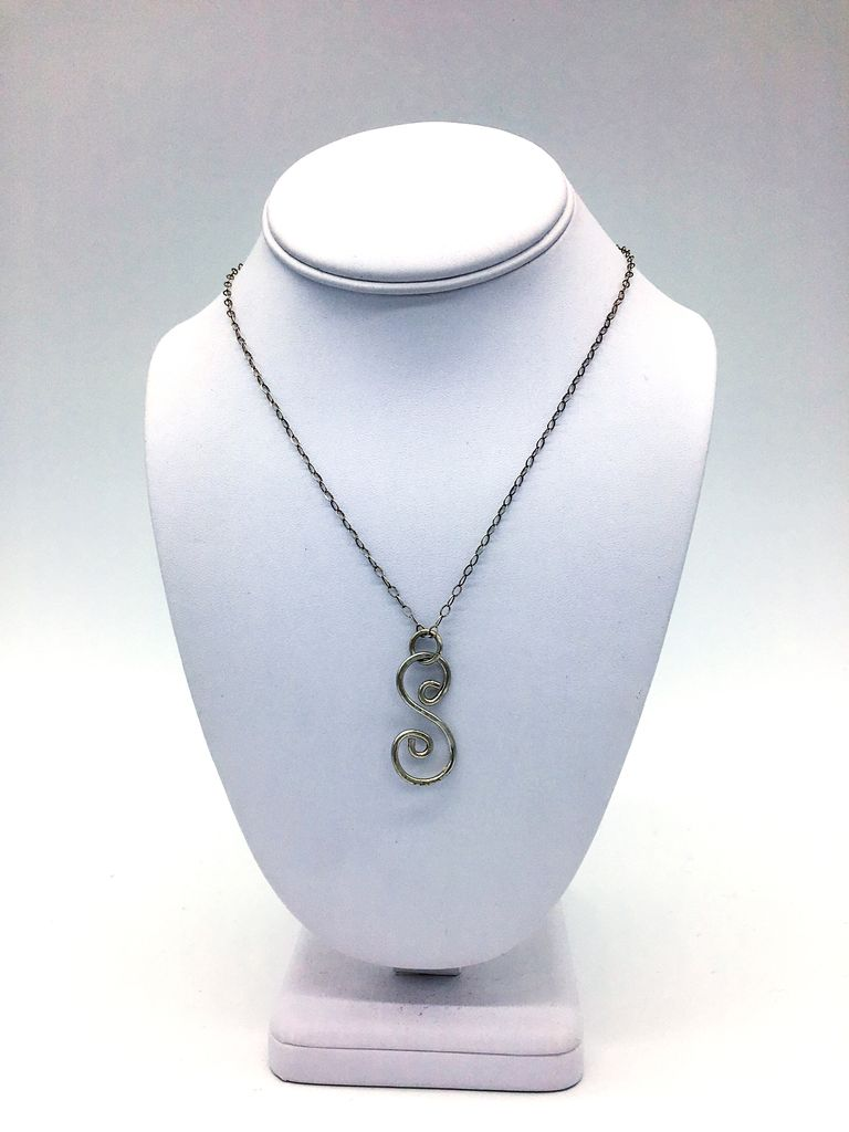 Something Charming S Shapped Hammered Necklace