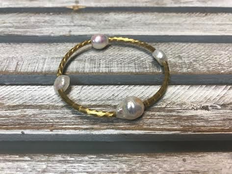 Handmade White Pearl and Gold Stretch Bracelet