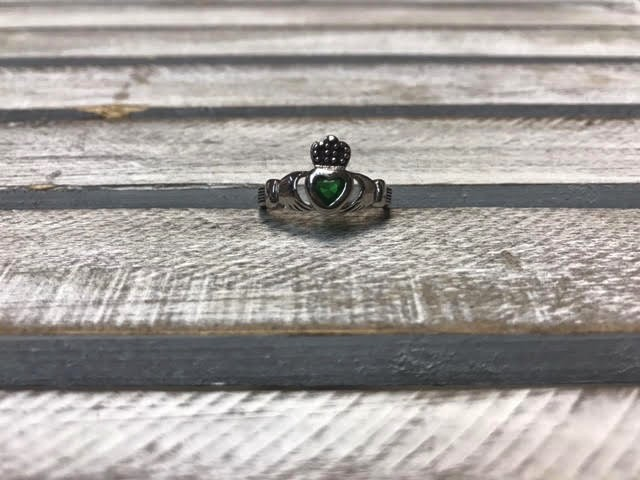 Emerald Green Claddagh Ring