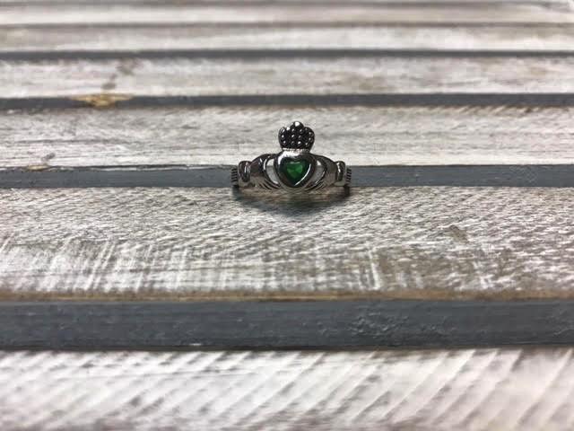 Emerald Green Claddagh Ring