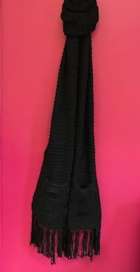 Black Chunky Knit Scarf with Two Pockets and End Tassels