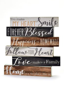 "Short Desk Block ""Love Makes a Family"""