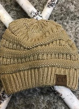 Beanie in Metallic Gold