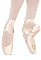 Bloch The Suprima pointe shoe has a tapered toe and snug fitting heel.