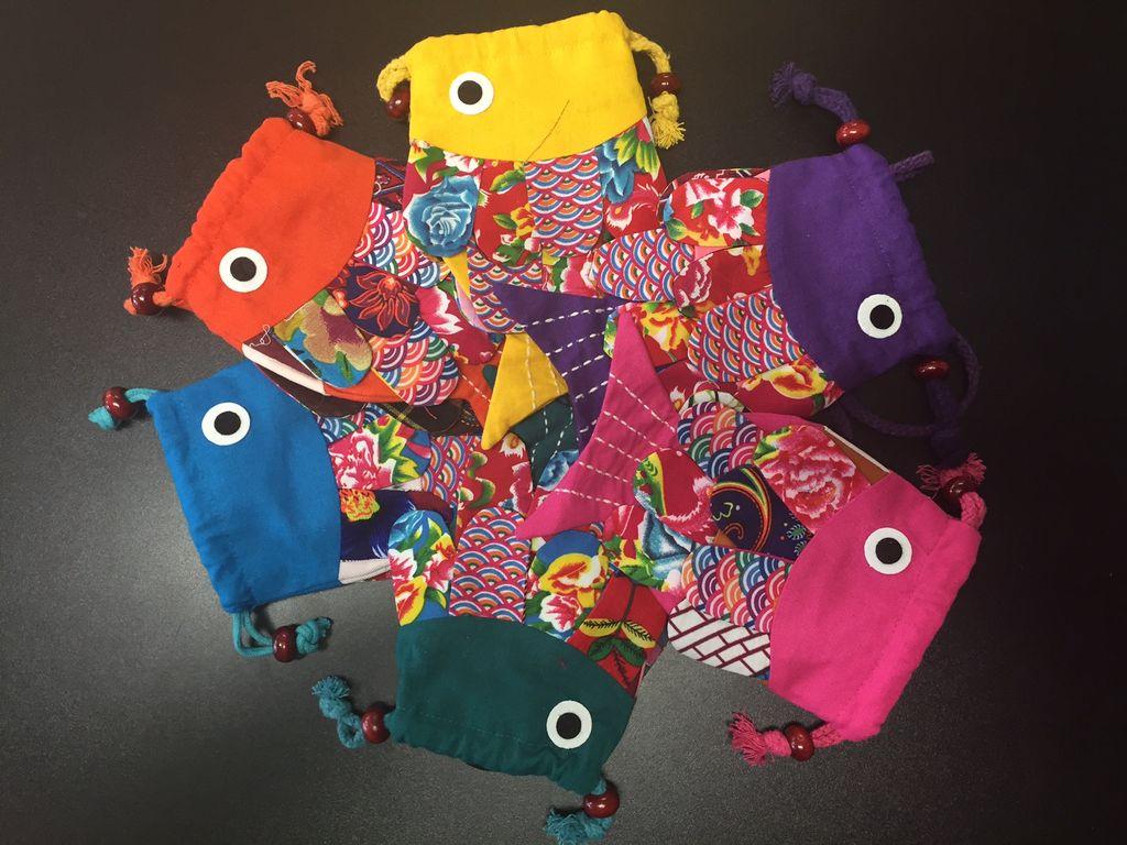 Childrens cloth small sling bag