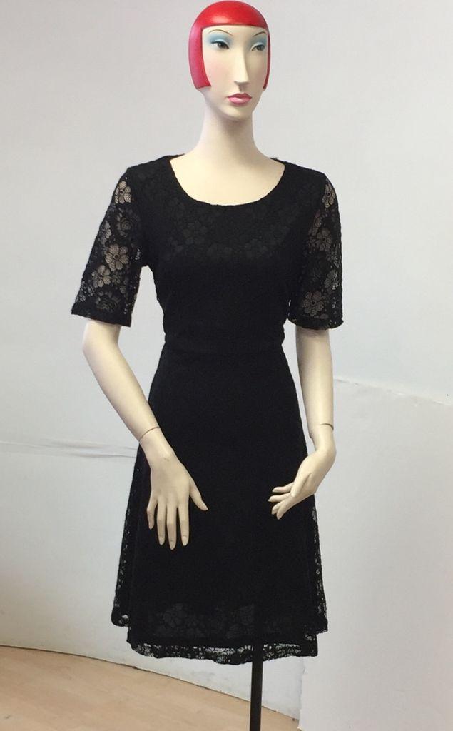 Smashed Lemon Smashed Lemon Black Lace Dress