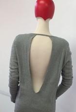 Bloch Bloch Z6989 Chevron Keyhole Back Sweater