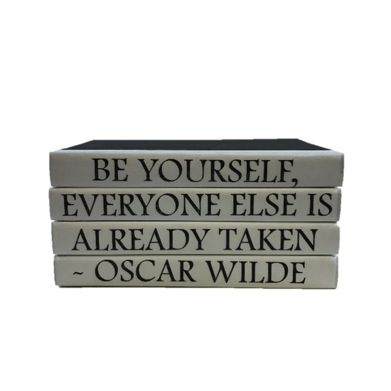 CH QUOTE BOOK SET | BE YOURSELF