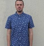 Kato Short Sleeve Button Down Shirt in Indigo Flower