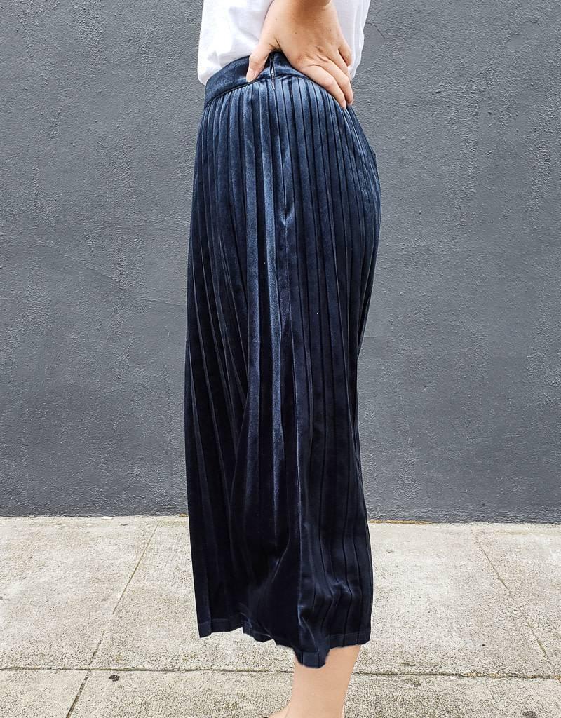 Just Female Clara Velvet Skirt
