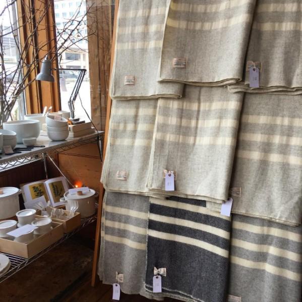 MacAusland MacAusland Wool Queen Size Blanket - Light Grey Tweed - 78 x104 in