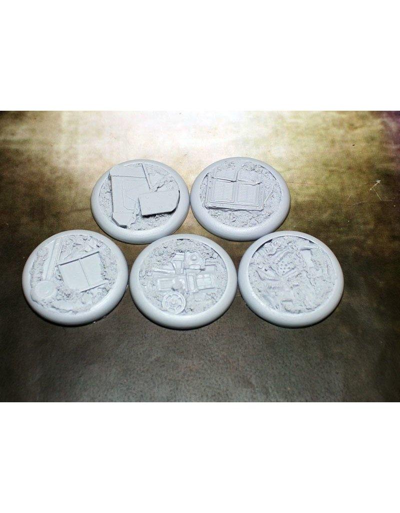 Secret Weapon Miniatures Round Lip: 40mm Scrap Yard (5)<br />RLSY4001