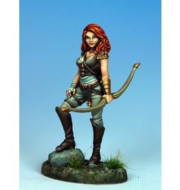 Dark Sword Miniatures VIF Female Archer II (1)