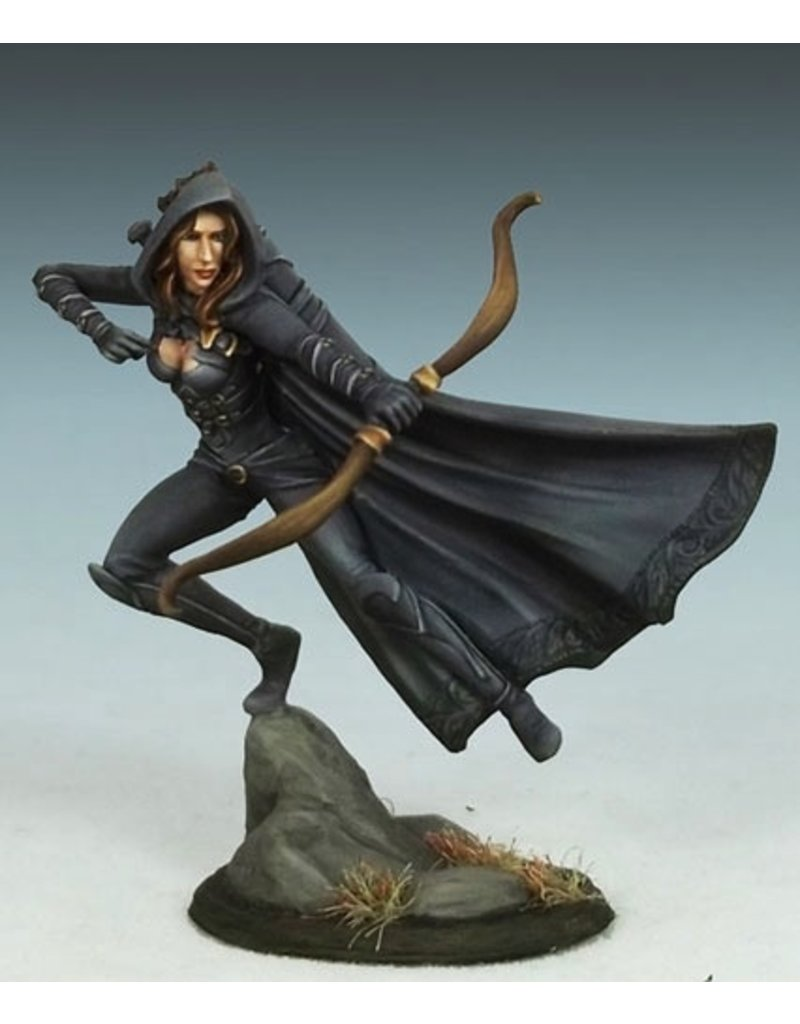 Dark Sword Miniatures VIF Female Rogue with Bow