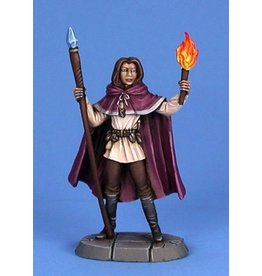 Dark Sword Miniatures EM Female Mage