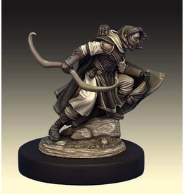 Dark Sword Miniatures VIF Male Ranger with Sword or Water/Wine Skin