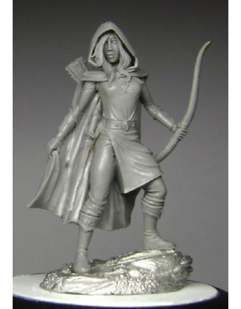 Dark Sword Miniatures EM Female Ranger