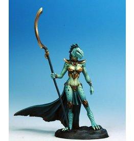 Dark Sword Miniatures VIF Female Dragonkin Mage