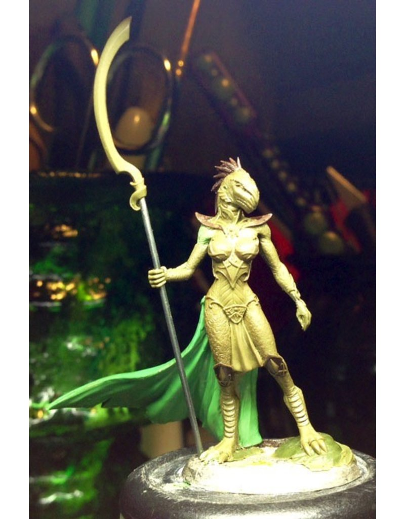 Dark Sword Miniatures VIF Female Dragonkin Mage