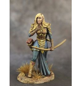 Dark Sword Miniatures EM Female Elven Archer