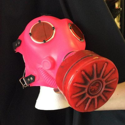 Apocalypse Hardware Glowing Gas Mask Fluorescent Pink