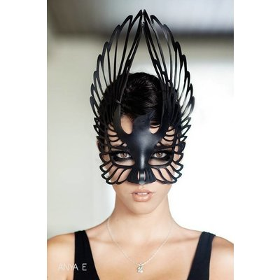 Tom Banwell Designs Raven Leather Mask in Black