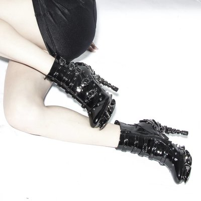 Hades Footwear Machina