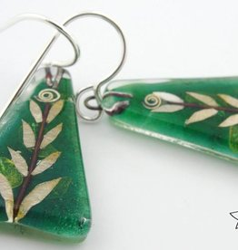 Leaf Medium Triangle Earrings