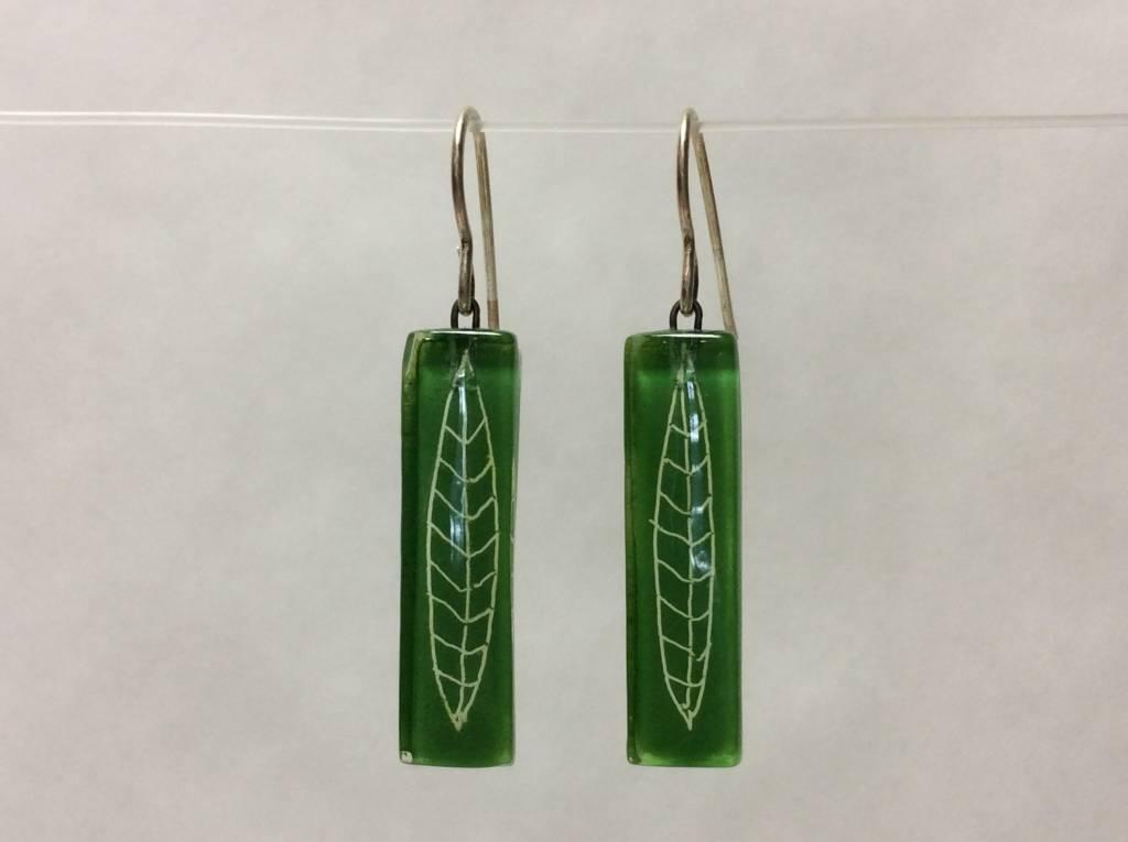 Polyhedra White Green Medium Bar Earrings