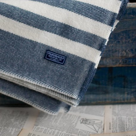 Trapper Throw - Navy and Natural