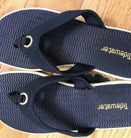 Q1006 Portland Navy Sandals Size 6