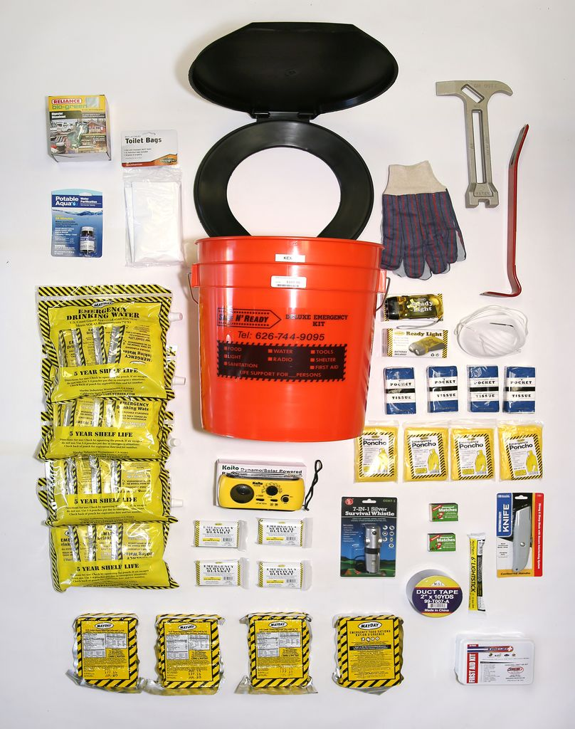 Safe N' Ready Emergency Kit, Bucket, Deluxe, 4 Person