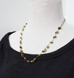 eric silva eric silva short barnacle necklace green garnet