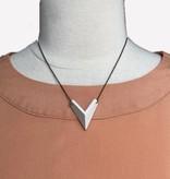 grammar grammar mini arrow necklace