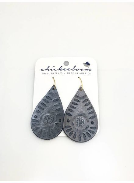 Chickeeboom Chickeeboom Leather Petal Earring Grey