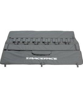 "RaceFace Tailgate Pad: 61"" Black LG/XL"