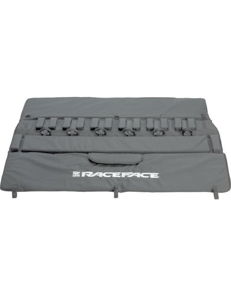 "RaceFace Tailgate Pad: 61"" Black LG/XL"