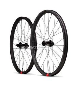 Santa Cruz Bicycles Santa Cruz Reserve 30 Wheel i9 Front 27.5 15x110mm