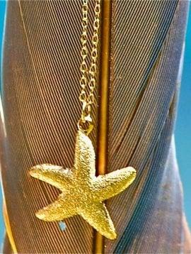 SASHA LICKLE GOLD STARFISH NECKLACE