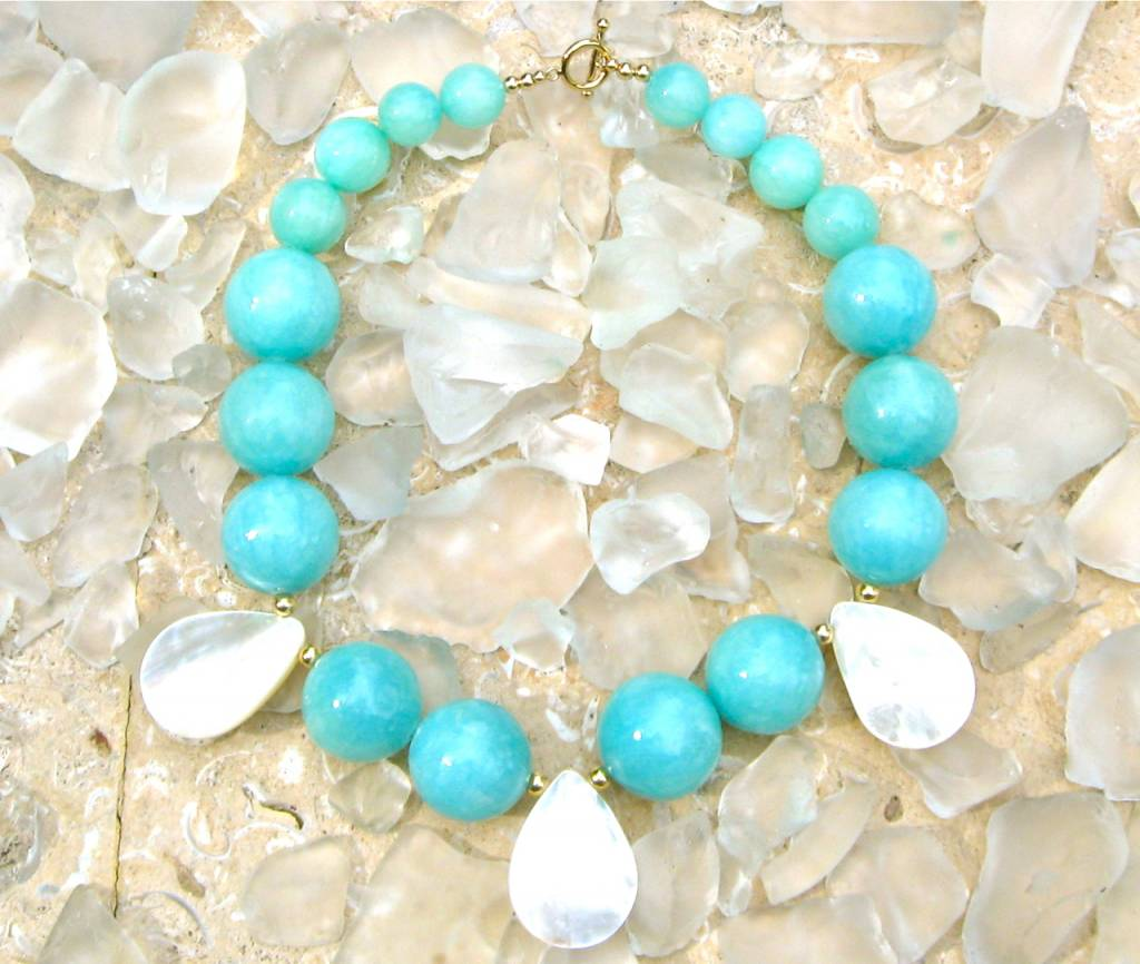 SASHA LICKLE AQUA JADE & MOTHER OF PEARL NECKLACE SLN38