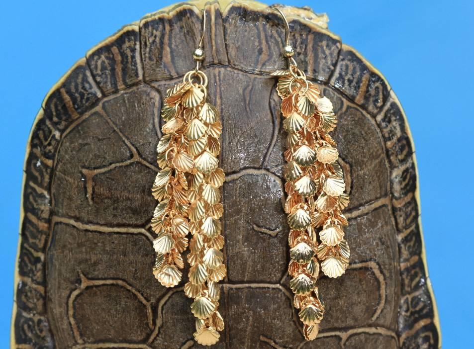 SASHA LICKLE TINY GOLD SHELL EARRINGS