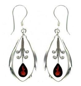 Vera Wolf Garnet Dangle Oval Earring