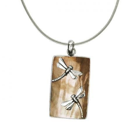 Vera + Wolf Shell Tan w Dragonfly Bar Pendant