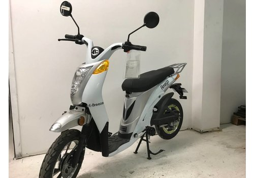 Amego Scooter # 3 e-Breeze, White no battery