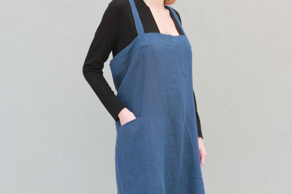 Linen Apron in Midnight Blue