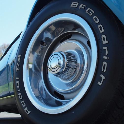 Wheels\Tires 1968 Ralley Wheel Set 15X7 W/Rings & Caps