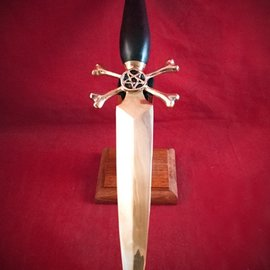 Hex Necromancer's Dagger with Solid Black Yew Handle