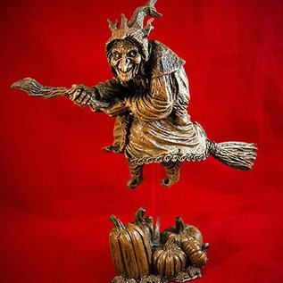 Hex La Befana the Witch Statue in Wood Finish